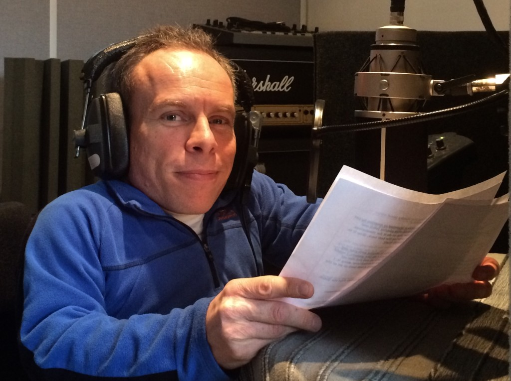 Warwick Davis in the booth at Zigzag
